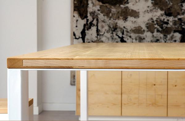 Olio naturale per il legno massiccio, gambe laccate. Materiali: Legno ...