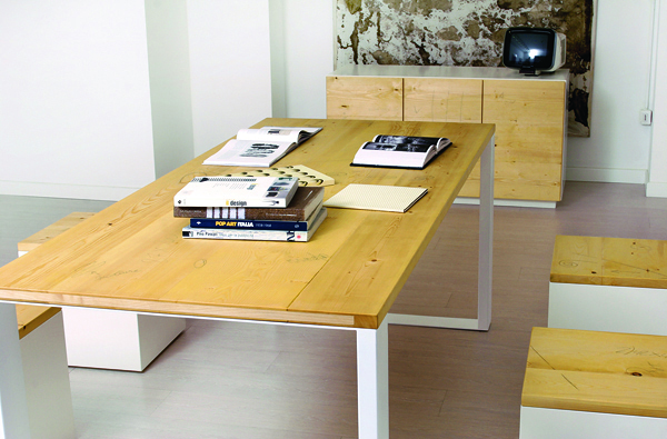 Tavolo di design in legno naturale  design wood table  Umberto ...